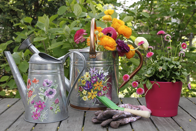 diy watering cans